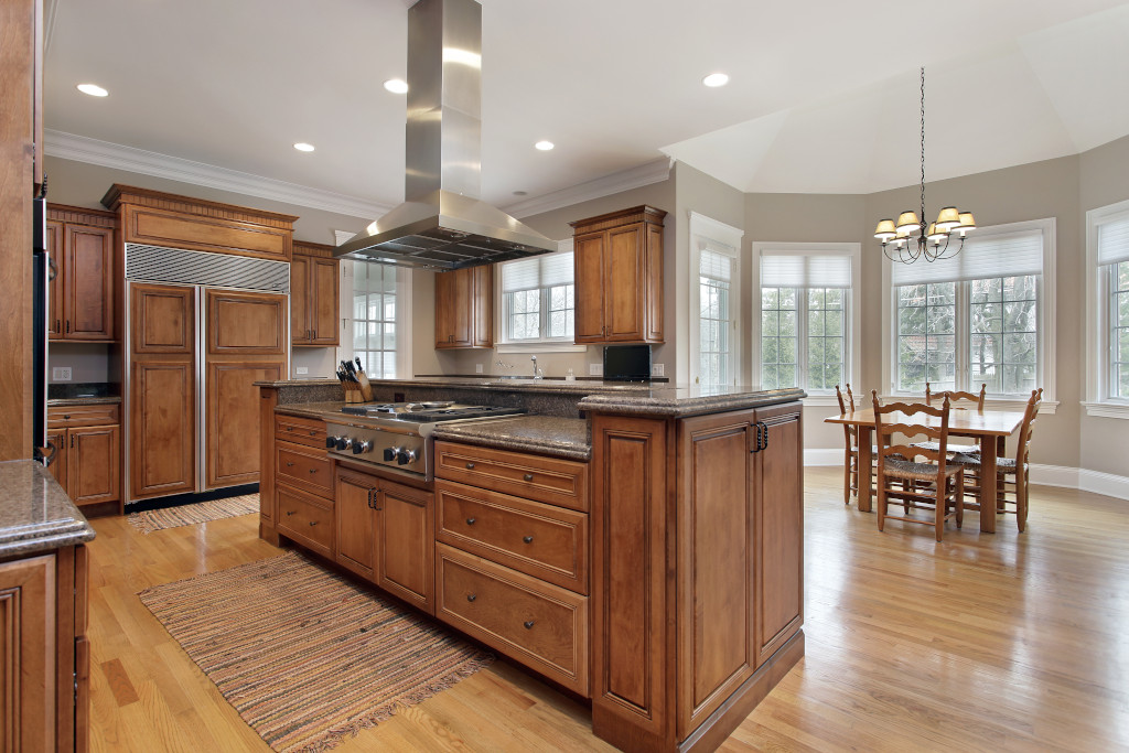 The Pros and Cons of Wood Cabinetry